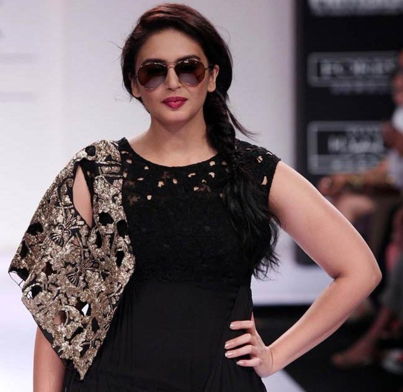 Huma qureshi bollywood actress wallpapers download free.