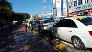 Choferes del transporte público siguen cobrando aumentos de RD$5 y RD$10 al pasaje