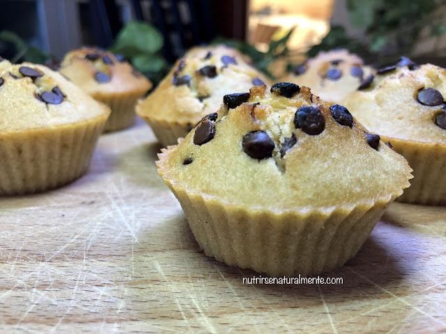 Muffins veganos de coco y gotas de chocolate