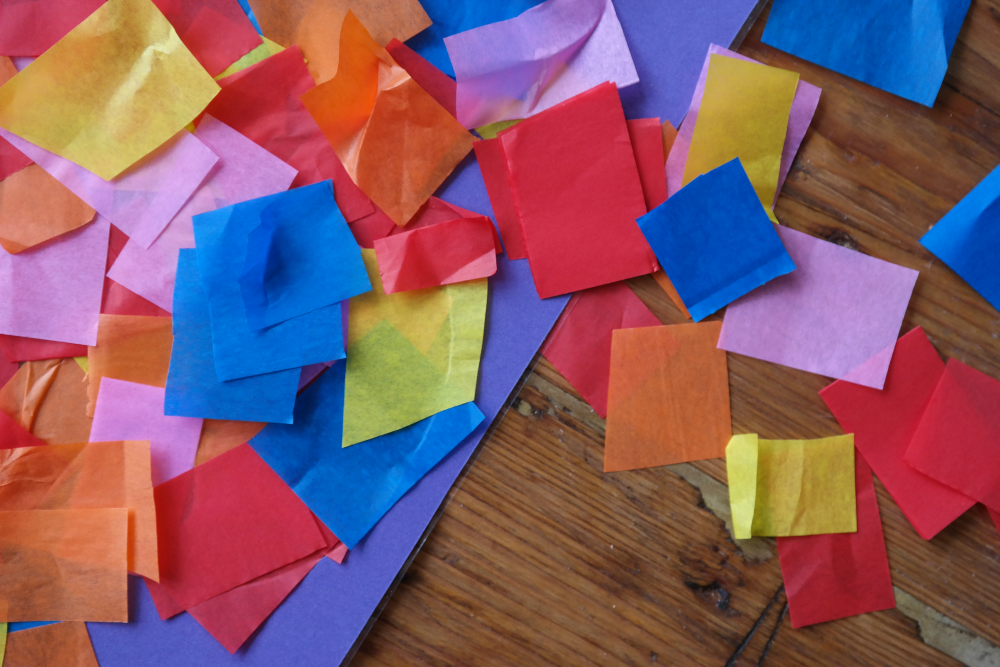 Easy toddler art: tissue paper suncatcher