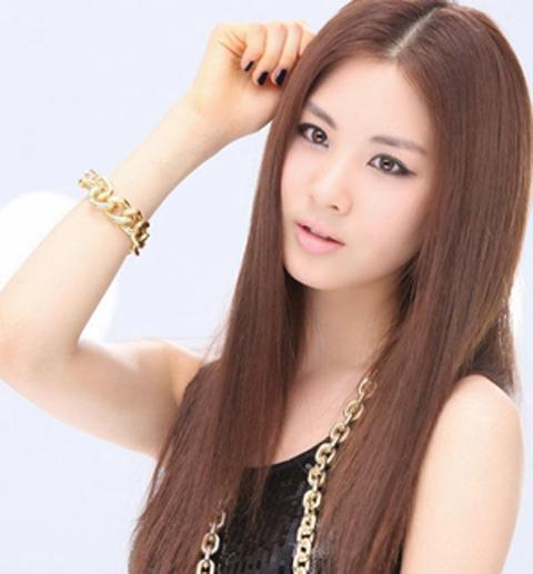 rambut panjang lurus wanita gemuk