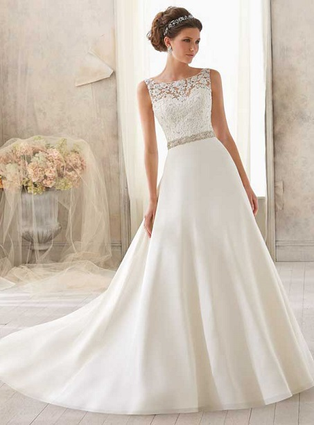 Fashionable Bristol Elegant Floor-Length A-Line Scoop Wedding Dress