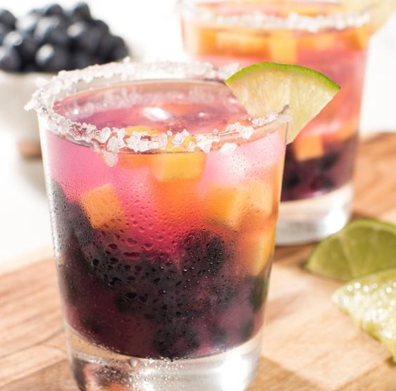 Blueberry Peach Margarita #drink #summer