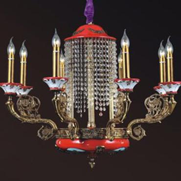 Những mẫu đèn chùm trang trí quán café ấn tượng thu hút mọi ánh nhìn