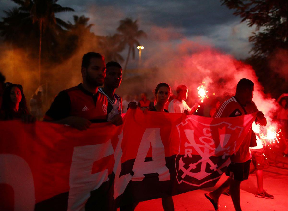 4f1f720dd5 Torcida do Flamengo cria nova música para homenagear garotos ...