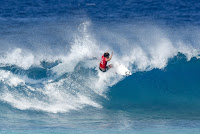 42 Ian Gouveia Billabong Pipe Masters foto WSL Damien Poullenot