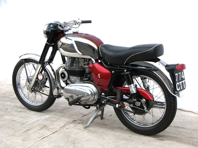 Royal Enfield Constellation Exhaust Sound