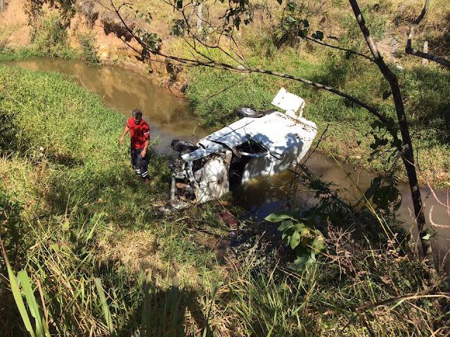 Ladrão morre após furtar e capotar veículo durante a fuga em Andradas (MG)