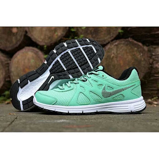Obral Sepatu Nike Revolution Original Light Green