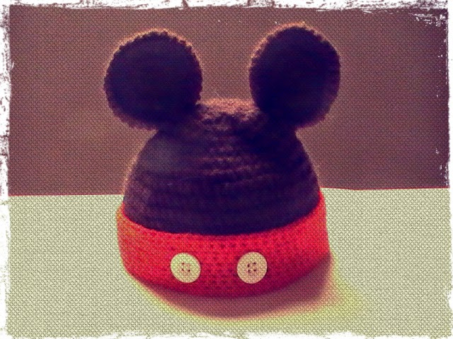 a78e7743ec089 Gorro de Mickey a crochet para bebes de 0 a 3 meses - Margarita Knitting