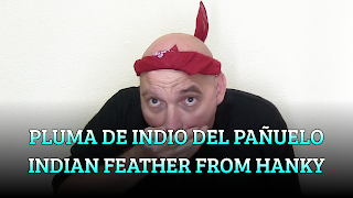Pluma de Indio del pañuelo, CHAPEAUGRAPHY, Indian feather from handkerchief