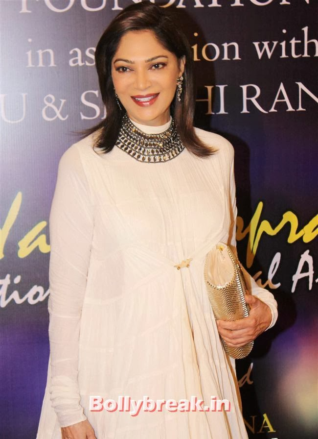 Simi Garewal, Bollywood Beauties at Yash Chopra Memorial Awards