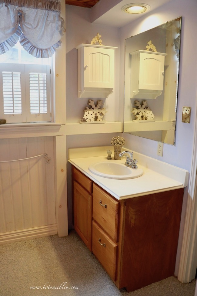 small vanity area in master bathroom BEFORE changes