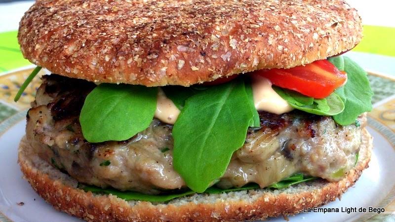 receta-de-hamburguesa-con-chamipiñones-queso-de-cabra-y-rucula