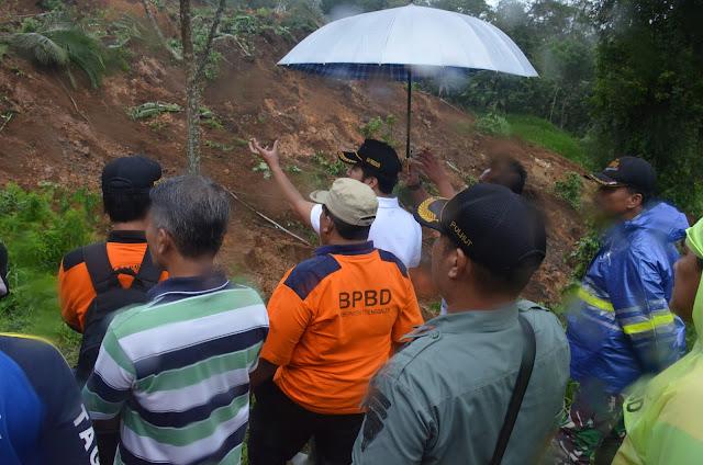 Respon Cepat Bupati Emil Tanggapi Tanah Longsor Jalur Kampak-Munjungan