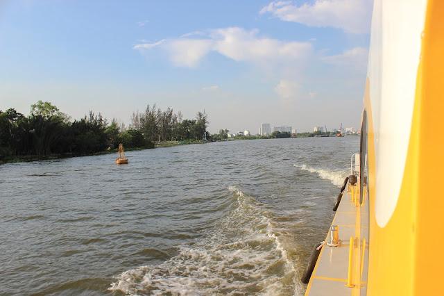 buýt sông Sài Gòn