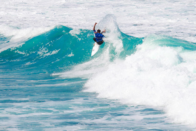 4 Alejo Muniz BRA 2015 SATA Azores Pro Foto WSL Laurent Masurel