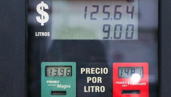 Aumentan precios de la gasolina y electricidad en México