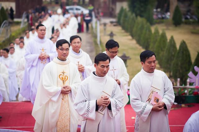Lễ truyền chức Phó tế và Linh mục tại Giáo phận Lạng Sơn Cao Bằng 27.12.2017 - Ảnh minh hoạ 56