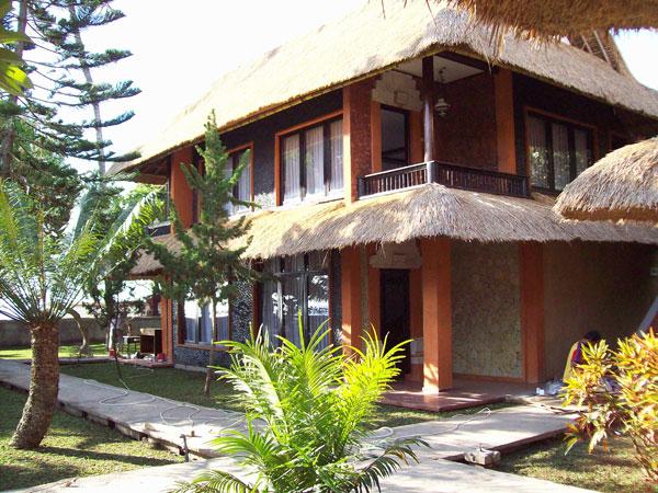 http://www.tempatnyawisata.com/2016/06/di-tempat-wisata-pantai-pelabuhan.html