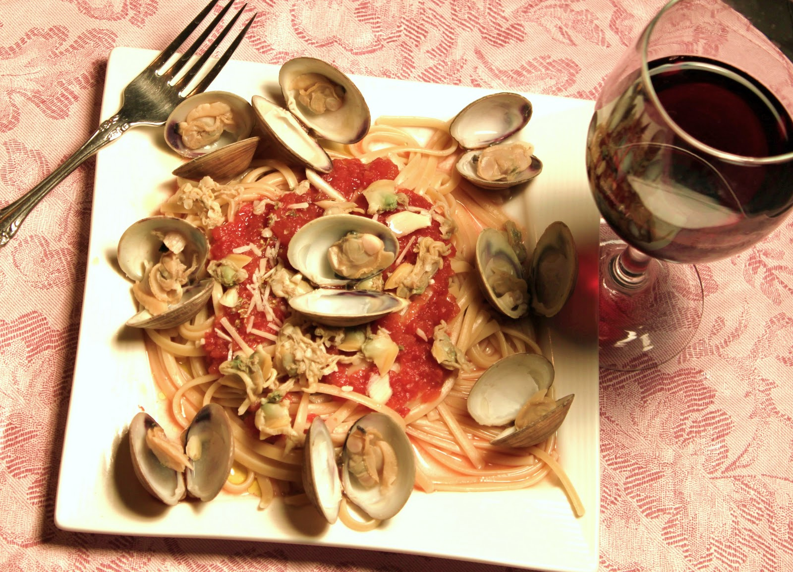 A traditional italian christmas eve with 7 fishes whats cookin red or white clam sauce forumfinder Image collections