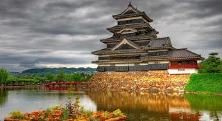 Osaka Temple - Paket Tour Jepang 2013 - Enjoy Wisata