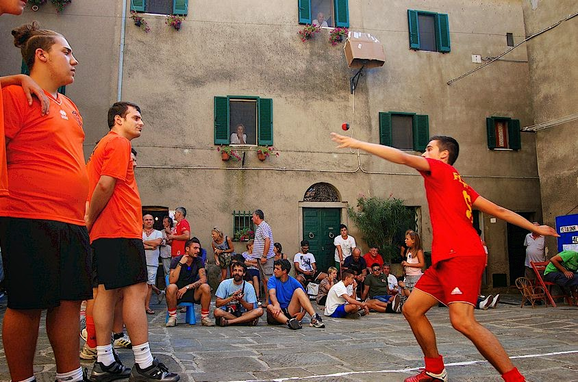the game of Palla-eh in Tuscany, Italy