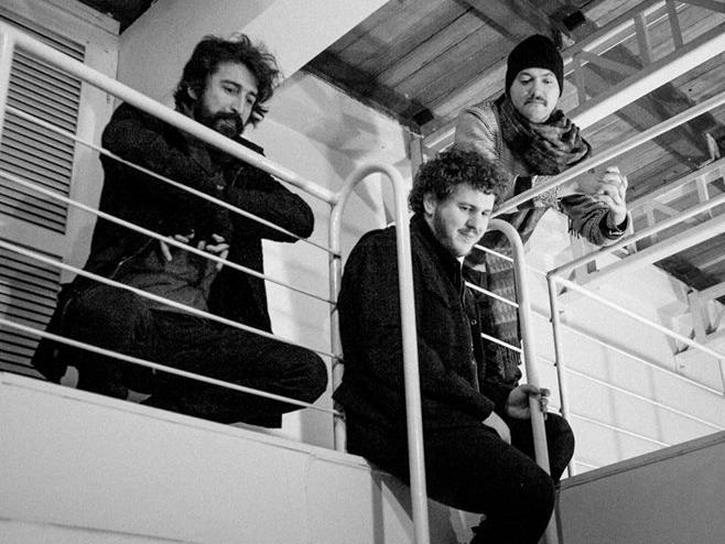 Dingo Bells mostra os bastidores da produção do recente disco no clipe de 'Na Carona'