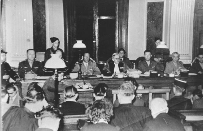 alle d'audience du tribunal militaire de Lille où seront jugés neuf anciens Waffen-SS en août 1949
