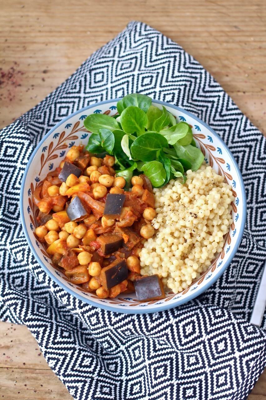 Marokkanischer Gemüseeintopf mit Couscous