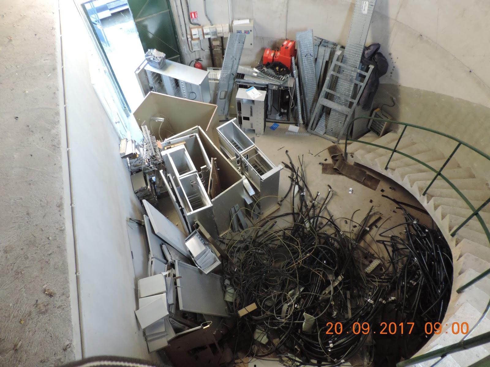 Un m t pour les ondes villeneuve de la raho 66180 2017 for L interieur d un chateau d eau