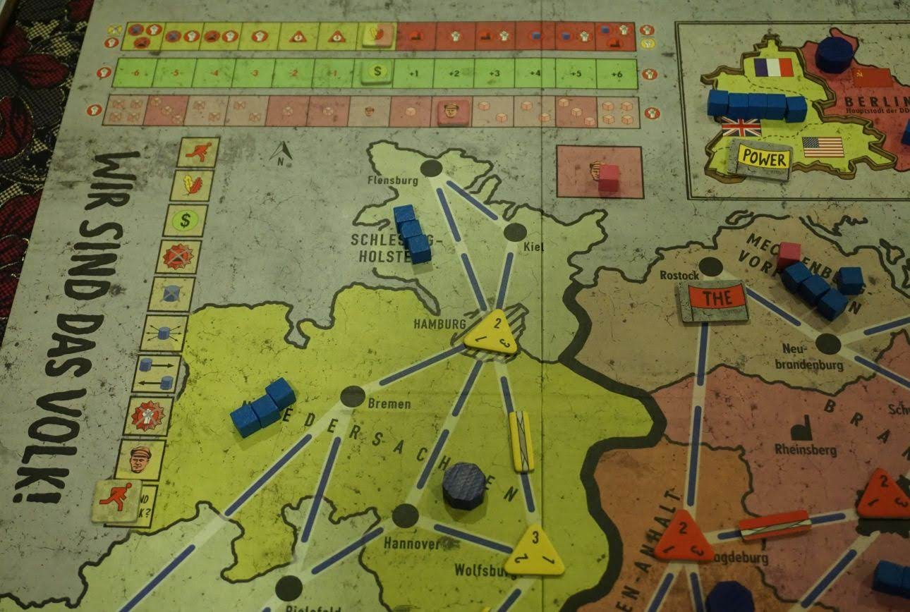 Cash Pool Flensburg Hiew S Boardgame Blog Wir Sind Das Volk We Are The People