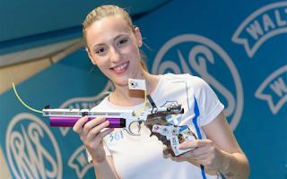 Άλλο ένα χρυσό μετάλλιο κατέκτησε η ολυμπιονίκης Άννα Κορακάκη στη Σκοποβολή, αυτή τη φορά, στο αεροβόλο πιστόλι 10μ. στον Παγκόσμιο Κύπελλο που φιλοξενείται στο Μόναχο.