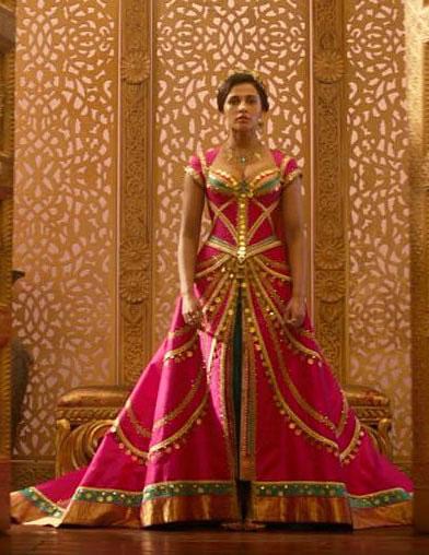 Jasmine vestido rosa em Aladdin
