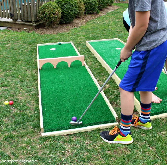outdoor games mini putt course