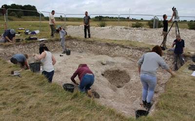 Struktur Lingkaran Kayu Raksasa ditemukan Dekat Stonehenge