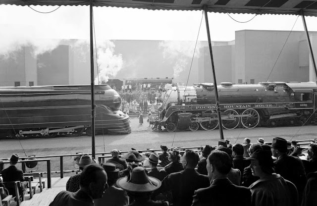 World's Fair, railroad pageant. Final curtain, May 27, 1939.