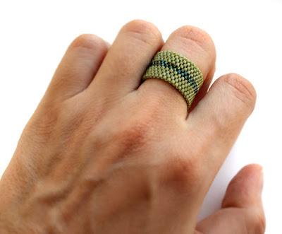 интересные кольца купить кольцо авторской работы бижутерия из бисера