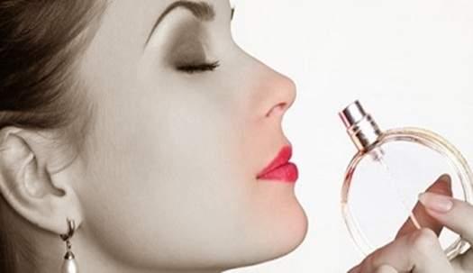Rahasia cara memakai parfum yang benar