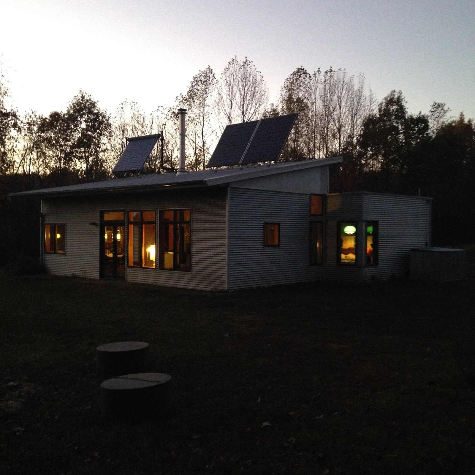 Off grid passive solar modern prefab finally gets hot for Passive solar prefab homes