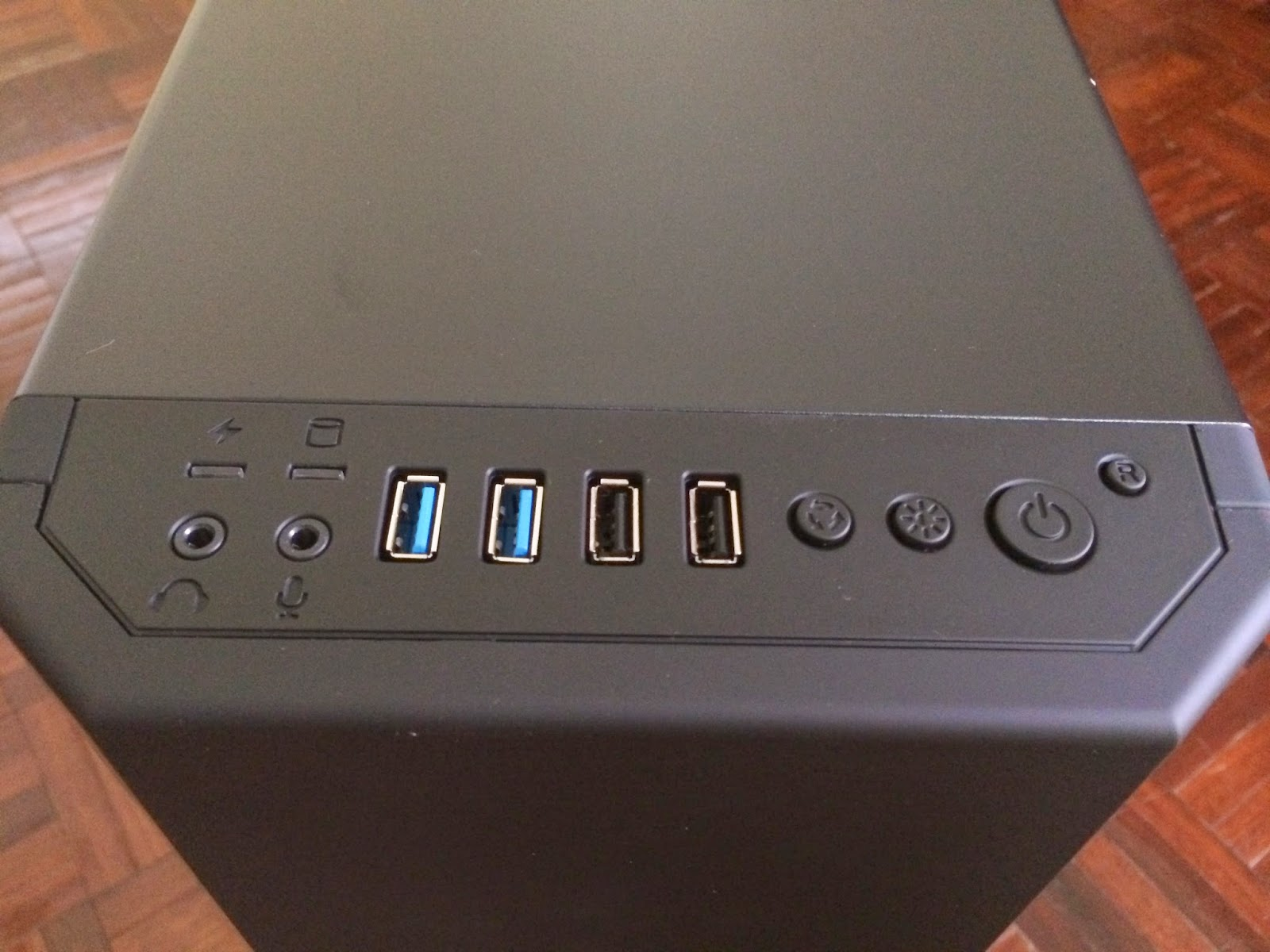 Unboxing & Review: Bitfenix Shadow 92