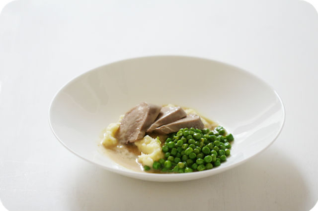 Nose to tail: Kalbszunge in Madeirasauce mit Kartoffelpüree und Erbsen [Retroküche] | Arthurs Tochter kocht von Astrid Paul