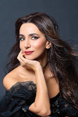 Zarifa Pashaevna Mgoyan penyanyi manis dan seksi