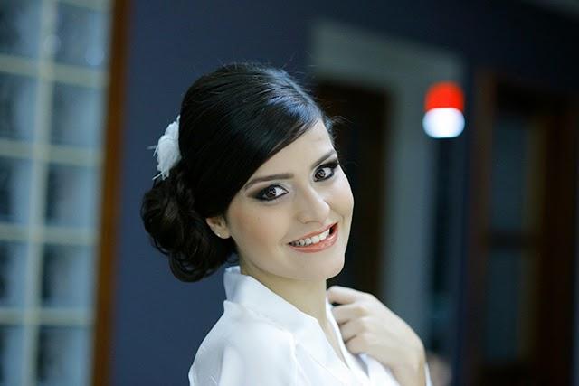 Casamento - Dia da Noiva - Penteado - Maquiagem