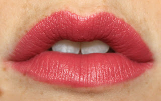 Marc Jacobs Le Marc Lip Crème Lipstick in 216 Kiss Kiss Bang Bang lip swatch