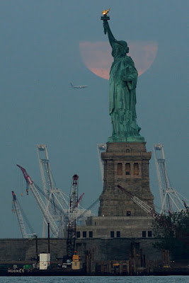 Supermoon Dekat Liberty New York