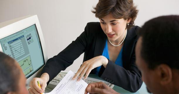 perbedaan dan persamaan akuntansi keuangan dengan biaya Perbedaan biaya dan beban dalam akuntansi beserta contohnya perlu diketahui oleh akuntan karena berkaitan dengan penyusunan laporan keuangan.