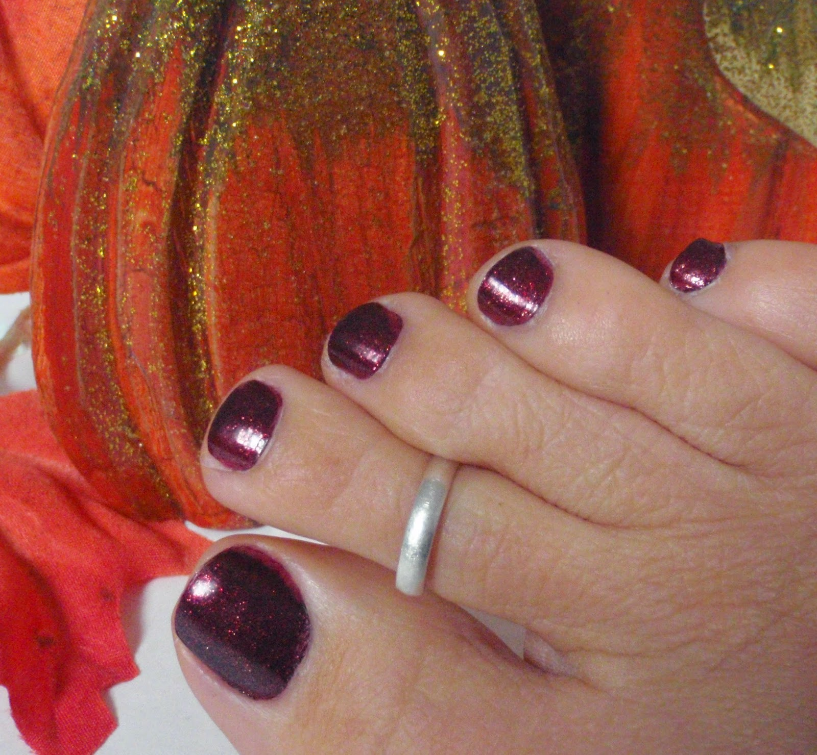 zoya india on toenails