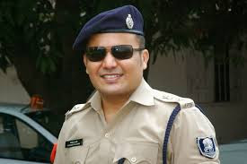 shivdeep-landay-police-officer