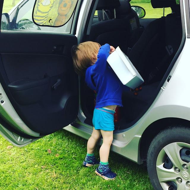 Urlaub mit zwei Kleinkindern - Auto-Tetris II